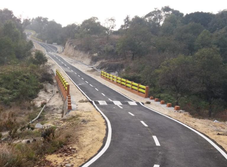 Approach Road in Mawlyngbna